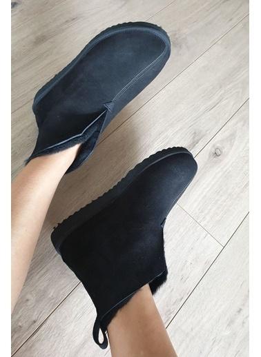 Topukla Terlik Siyah